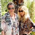 Une Nicole Richie zébrée pose au côté d'Emma Hill, directrice de création chez Mulberry.