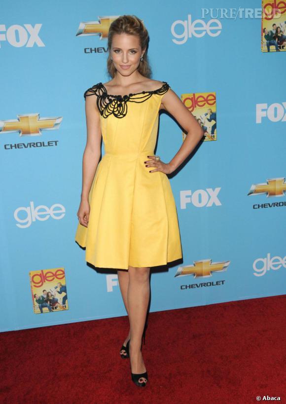Plutôt discrète au niveau des couleurs, la jeune femme n'hésite pas à bousculer ses habitudes comme avec cette robe jaune Carolina Herrera collection croisière 2011.