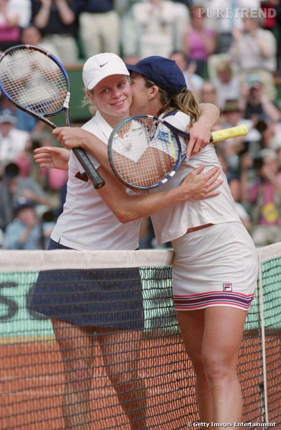 En 2001, duel au sommet et en mini jupes entre Kim Clijsters et Jennifer Capriati qui s'offre cette année là son unique victoire à Roland Garros.