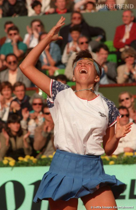 Place à la jupette plissée en 1995 avec Iva Majoli.
