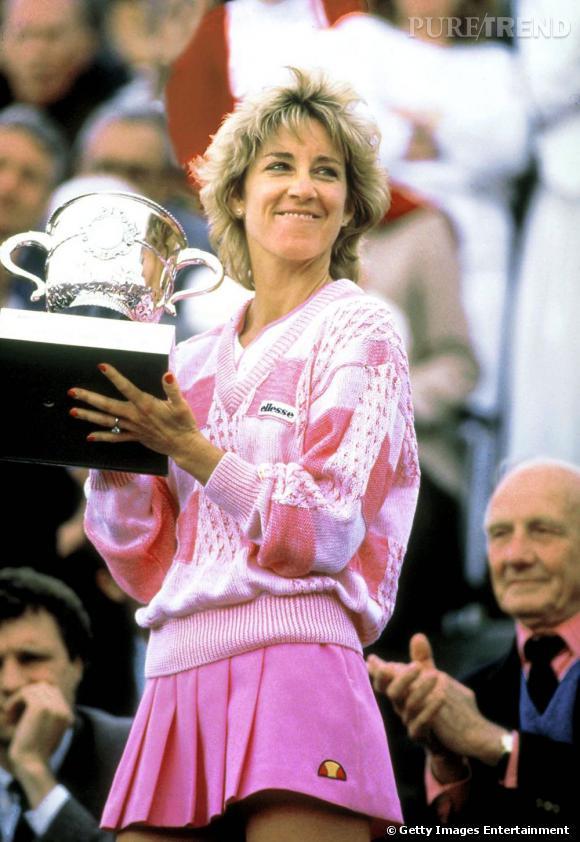 Assez sage dans les années 70, Chris Evert craque pour la tenue rose bonbon pour sa victoire en 1986.