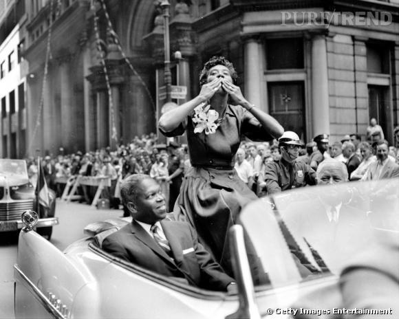 Unique victoire en 1956 pour Althea Gibson au tournois français mais le jeune femme peut se targuer d'être la première personne de couleur à y arriver.