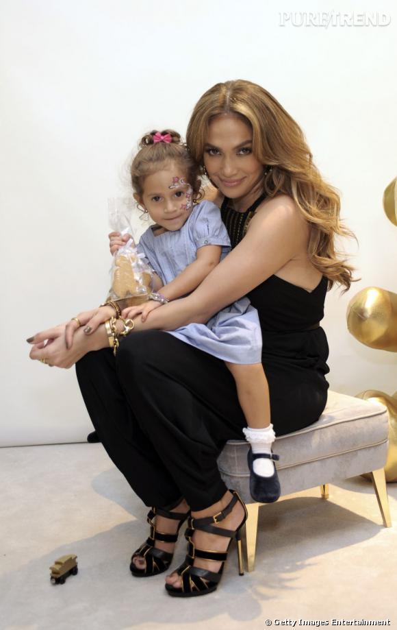 Pour la dernière campagne de Gucci, Jennifer Lopez a fait appel à ses chérubins. Ils ont à peine trois ans.