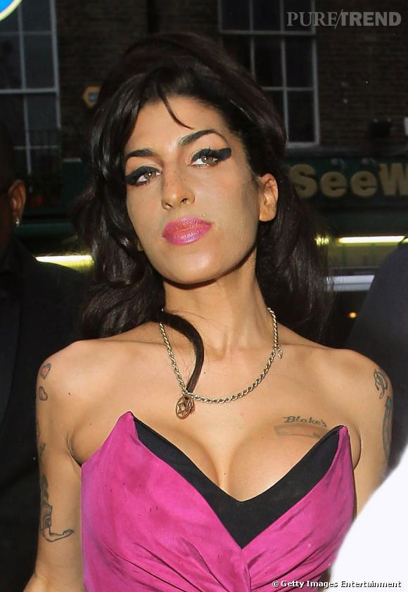 Nom  : Amy Winehouse  Plus de 40.000 euros pour augmenter sa poitrine.