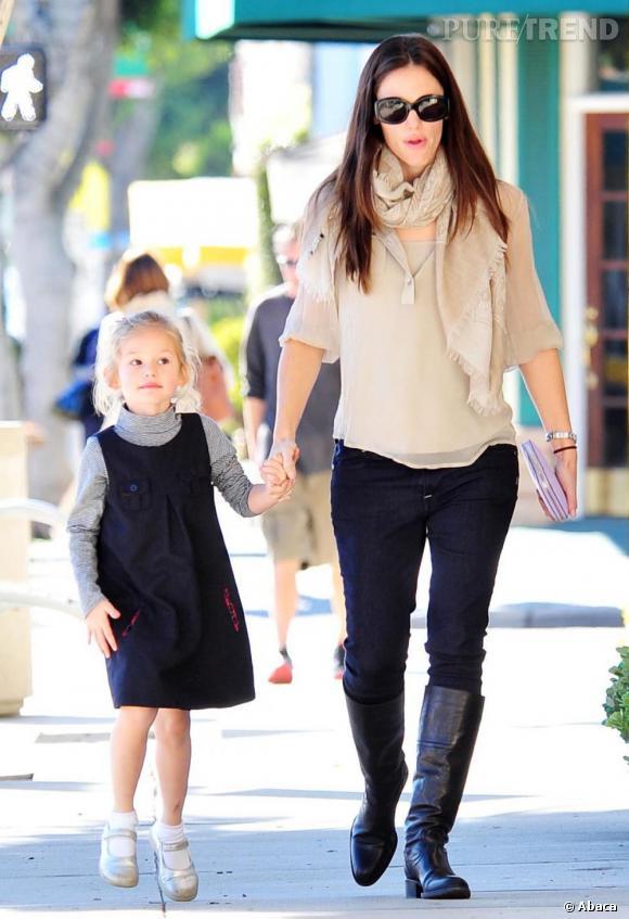 72c37c639005 Garner Est Fille Jennifer Des Adepte De La Robes Violet Preppy XwTIq1I