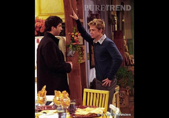 """Saison 8, Brad Pitt, à l'époque marié à Jennifer Aniston joue le rôle d'un ami d'enfance de Ross et membre du groupe """"Ceux qui détestent Rachel Green""""."""