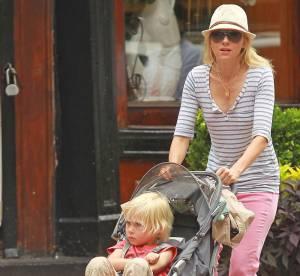 Naomi Watts, pink lady
