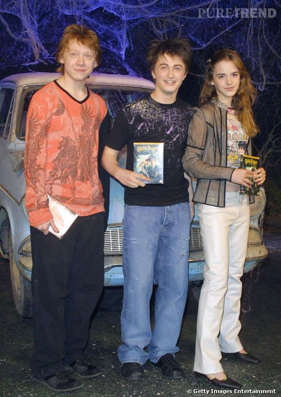 2003 :  les trois ados restent fidèles à un look collégien. Un petit bémol pour Emma et ses chaussures...