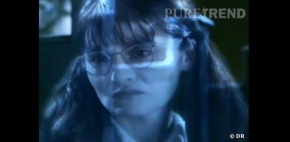 Mimi Geignarde, c'est le fantôme des toilettes des filles. Dans le film, Mimi est censée être une adolescente.