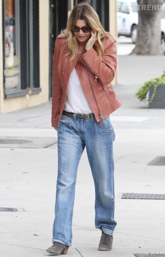 Ellen Pompeo, casual, pour une virée shopping chez Roche Bobois, à Los Angeles.