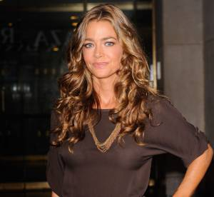 Denise Richards attire