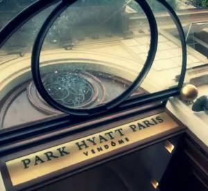 Erin Wasson dessine une collection capsule pour Zadig & Voltaire : making of de la présentation presse au Park Hyatt Vendôme.