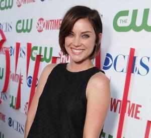 Jessica Stroup à la soirée CBS, The CW et Showtime à Los Angeles.