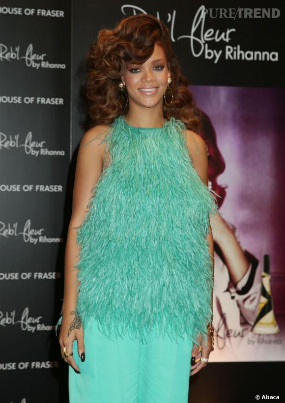 Rihanna au lancement de son nouveau parfum Reb'L Fleur à Londres.