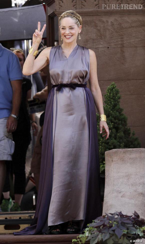 """Sharon Stone, heureuse sur le tournage de Gods Behaving Badly"""" à New York."""