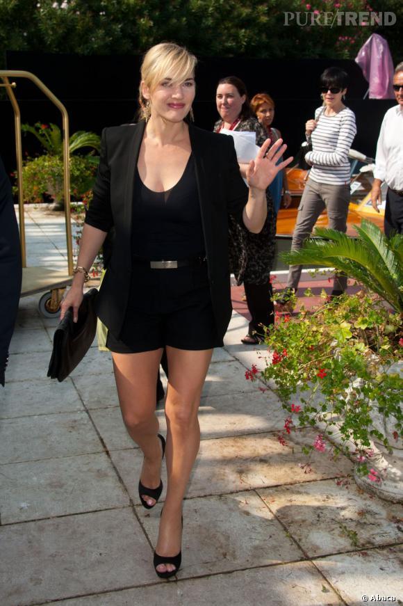 Kate Winslet allonge sa silhouette avec des escarpins Roger Vivier.