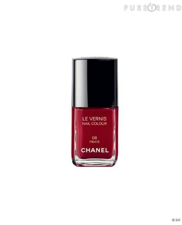 des ongles red carpetle vernis pirate de chanel rend hommage au rouge vintage au glamour. Black Bedroom Furniture Sets. Home Design Ideas