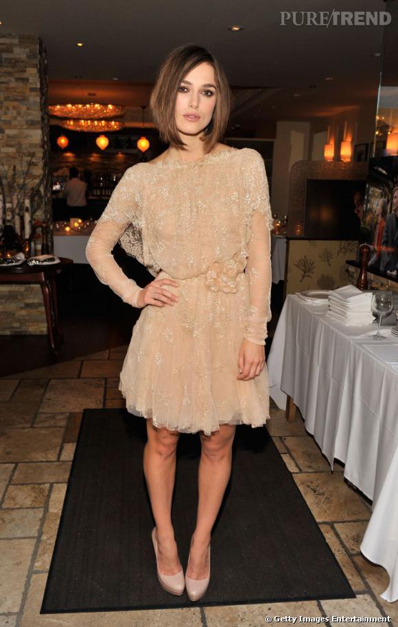 Keira Knightley a opté pour une robe Haute Couture, également dans les dans les tons nude, signée Elie Saab.