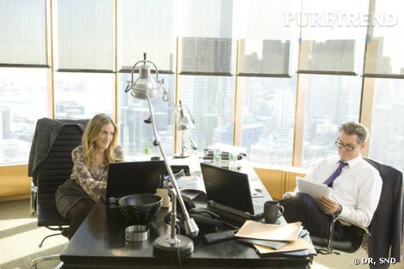"""Dans """"Mais comment font les femmes ?"""", Sarah Jessica Parker quitte son rôle de modeuse pour celui d'une femme ultra-professionnelle qui doit jongler entre son emploi du temps de ministre et son rôle de maman."""