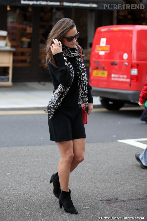 un Les une à bottines c'est style facile et courte robe sympa avec FwfYwRHqS