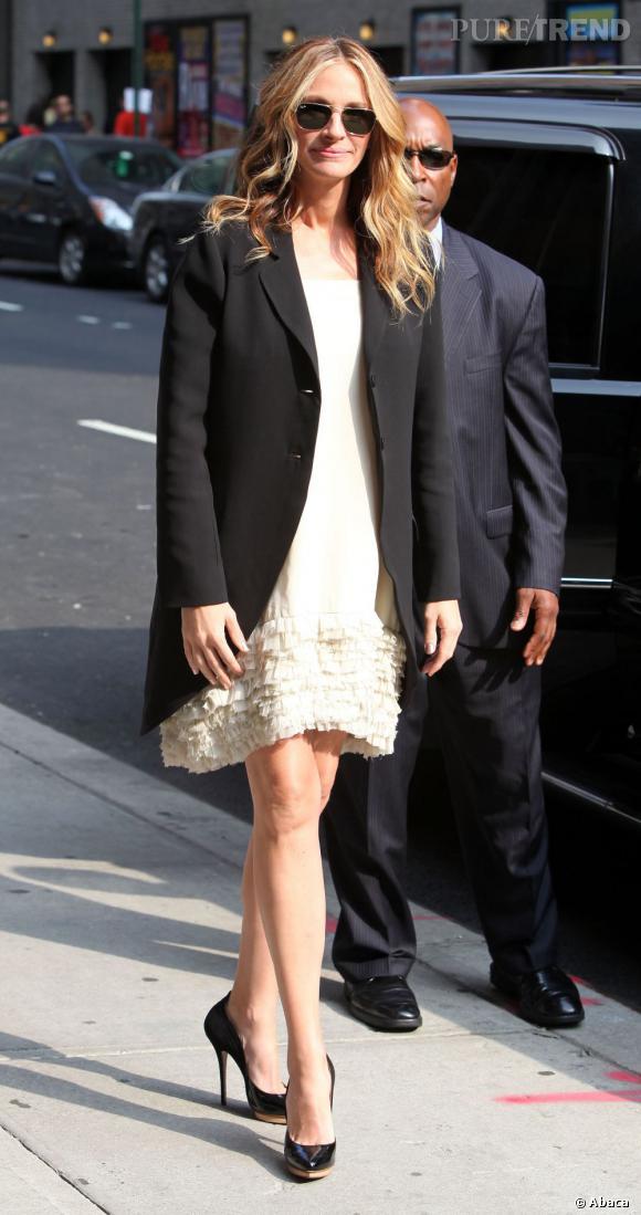 Julia Roberts a eu des jumeaux en 2004 et a donné la vie à un troisième bébé en 2008. Elle reste une pretty woman.