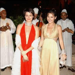 2003 : Décolleté en V jusqu'au nombril + rouge rouge, Marie Gillain sort le grand jeu.