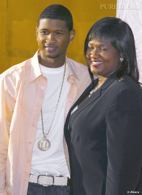 Usher et sa maman. Elle s'est occupée de ses affaires plusieurs années. Il l'a licenciée une première fois, avant de la ré-embaucher pour mieux la quitter en 2010.