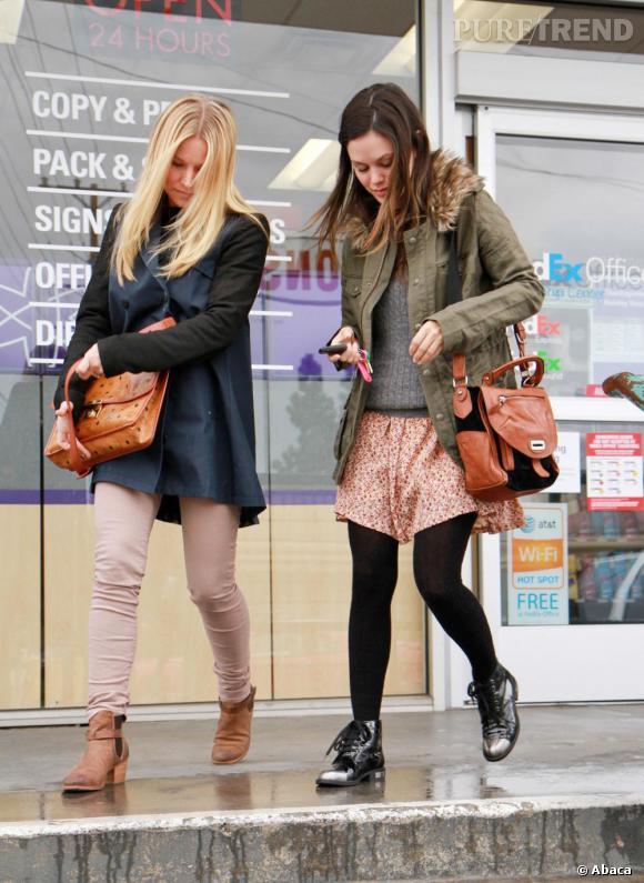 Rachel Bilson et Kristen Bell en vadrouille dans les rues de Los Angeles.