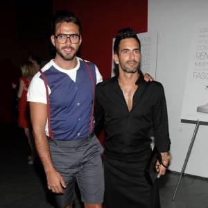 """Le couple """"assorti jusqu'aux mollets"""" : Lorenzo Martone et Marc Jacobs."""