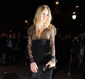 Sienna Miller, une hôtesse très sexy