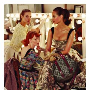 Pour sa nouvelle campagne Automne/Hiver 2010-2011, la maison flatte l'élégance féminine. Au programme : deux collections, deux campagnes avec trois top models iconiques, les très belles Christy Turlington, Karen Elson et Natalia Vodianova.