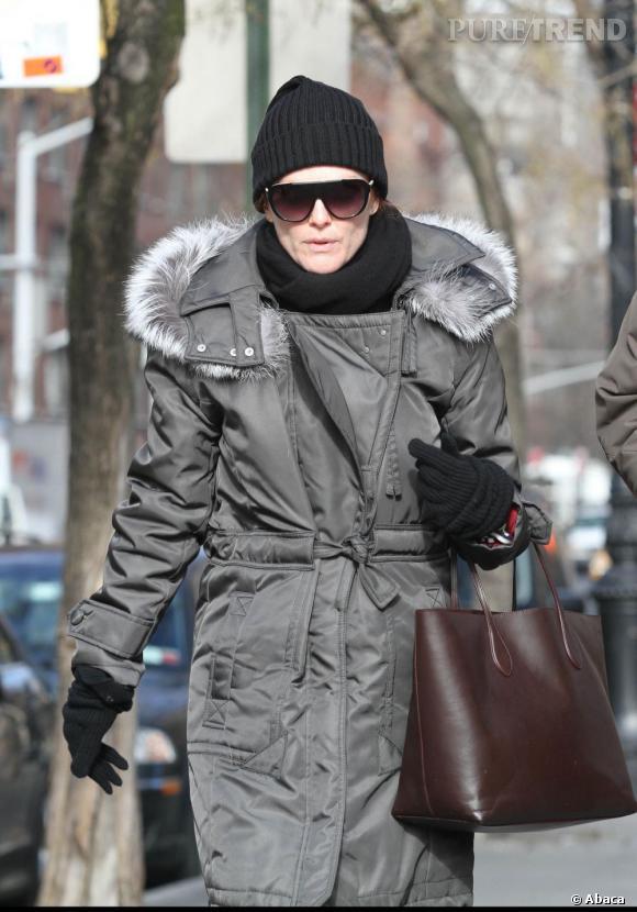 Julianne Moore dans les rues de New York, par grand froid.