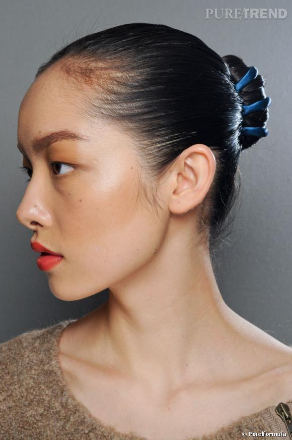 Les tendances coiffures pour 2012 On ne se lasse pas du chignon classique qui sublime notre port de tête.