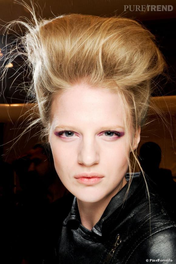 Les tendances coiffures pour 2012   On s'inspire de Selah Sue avec ce maxi chignon.