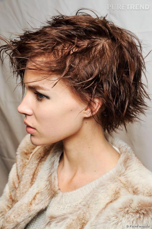 Les tendances coiffures pour 2012 On adore cette coupe courte très rock'n roll qui met en valeur nos traits.