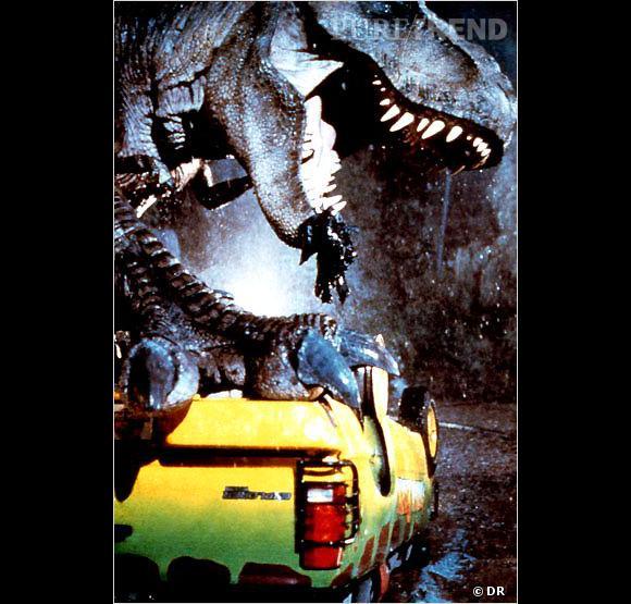 """Une pensée pour :  le dinosaure de """"Jurrasic Park"""", qui n'a jamais pu se justifier après son carnage et qui s'est fait éjecter du casting de """"Petit Pied""""."""