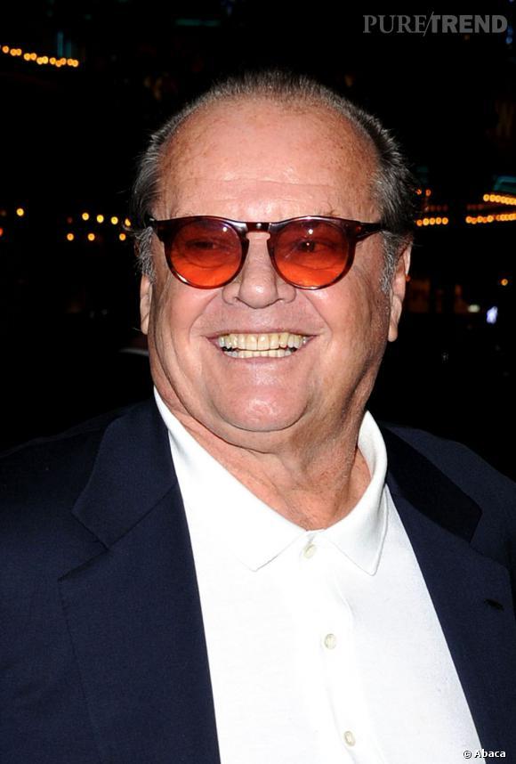 """Qui ? Jack Nicholson, le bizarroïde . Lui, on le sait, il est pas très net. Jack Nicholson est le grand abonné aux rôles de psychopathes, sociopathes et quelque fois (par chance) aux misanthropes. Dans """"Batman"""", c'est le Joker. Dans """"Shining"""", c'est le père de famille qui perd les pédales. Dans """"As Good As I Gets"""", il hait le genre humain. Bref Jack, on évite de le croiser dans une ruelle sombre passé minuit."""