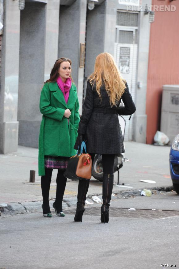 Leighton Meester porte un manteau Diane Von Furstenberg et une jupe Milly Suzie.