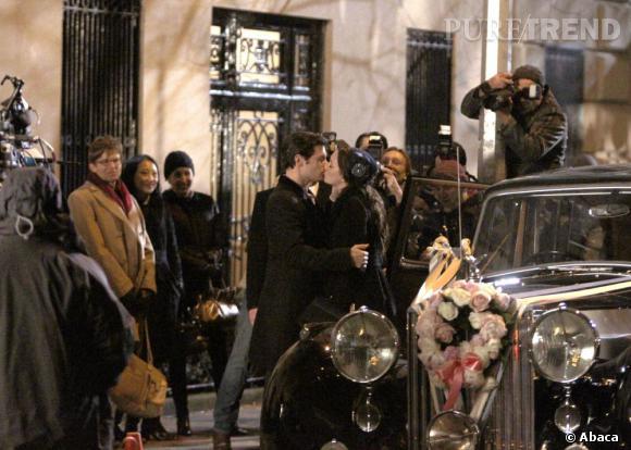 """Leighton Meester et Hugo Becker sur le tournage de la saison 5 de """"Gossip Girl"""" à New York."""