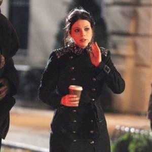 """Michelle Trachtenberg sur le tournage de la saison 5 de """"Gossip Girl"""" à New York."""
