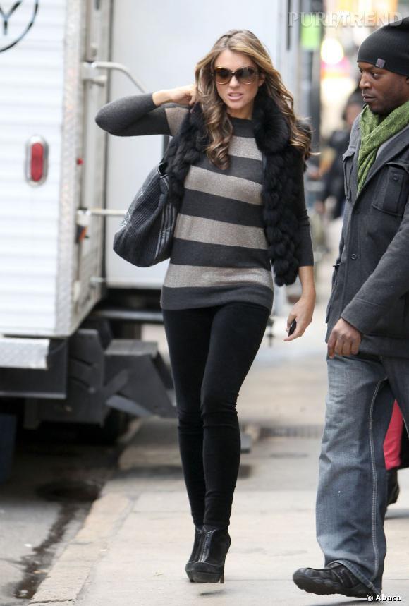 """Liz Hurley sur le tournage de la saison 5 de """"Gossip Girl"""" à New York."""