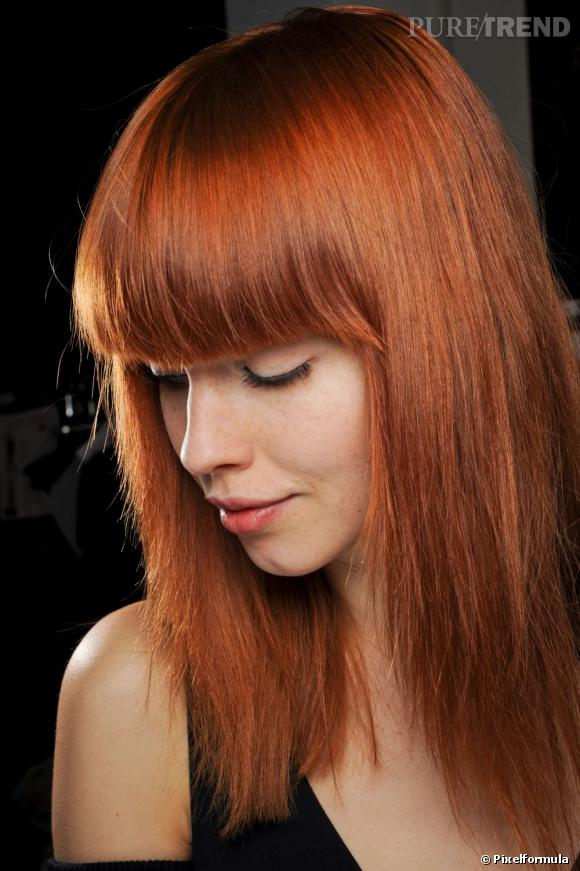coiffure frange epaisse