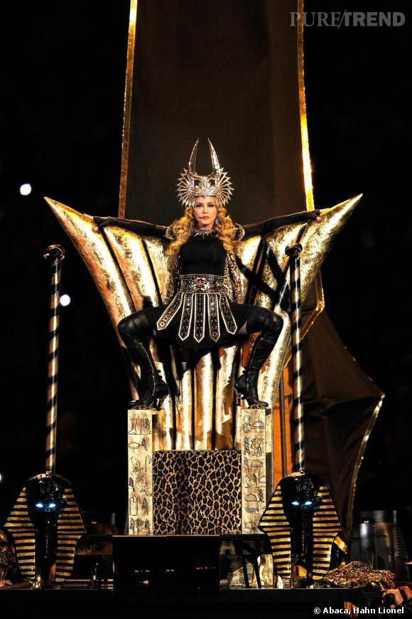 Sur son trône, Madonna, l'Hyperfemme par excellence, ne craint plus personne.