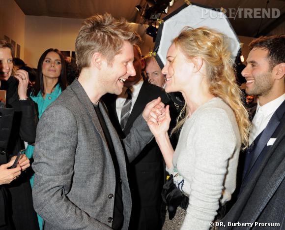 Christopher Bailey en pleine discussion avec sa copine Kate Bosworth.
