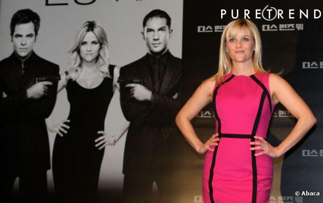La couleur de sa robe s 39 accorde parfaitement avec sa coloration blonde pour un joli look de barbie - Couleur qui s accorde ...