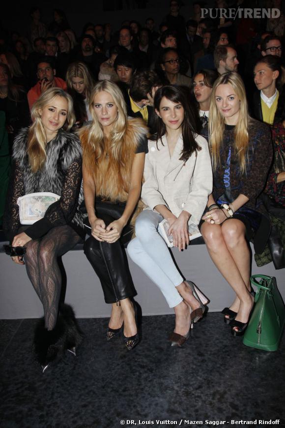 Brochette de it-girls chez Louis Vuitton à Paris.