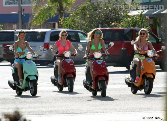 """Selena Gomez, Vanessa Hudgens et Ashley Benson sur le tournage de """"Spring Breakers"""" à St Petersburg en Floride."""