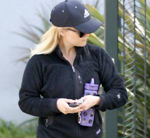 Reese Witherspoon incognito en baskets