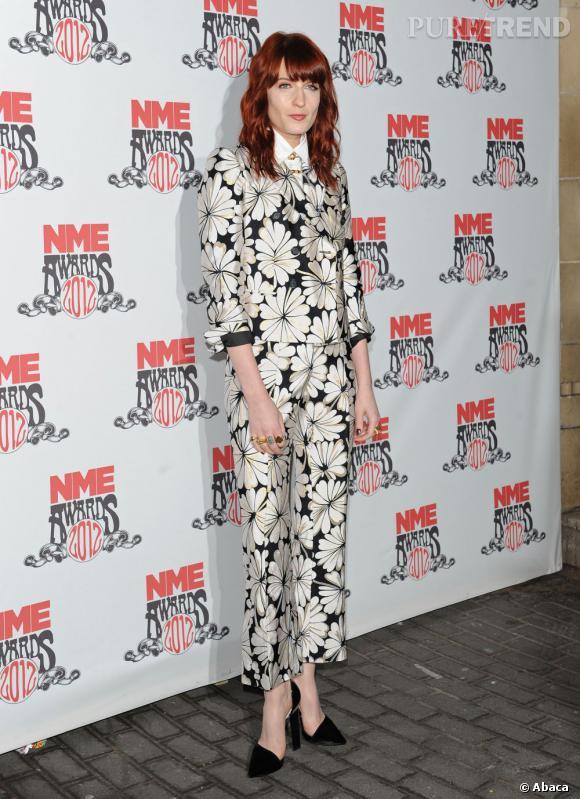Florence Welch, le décalage en Moschino Printemps-Eté 2012.