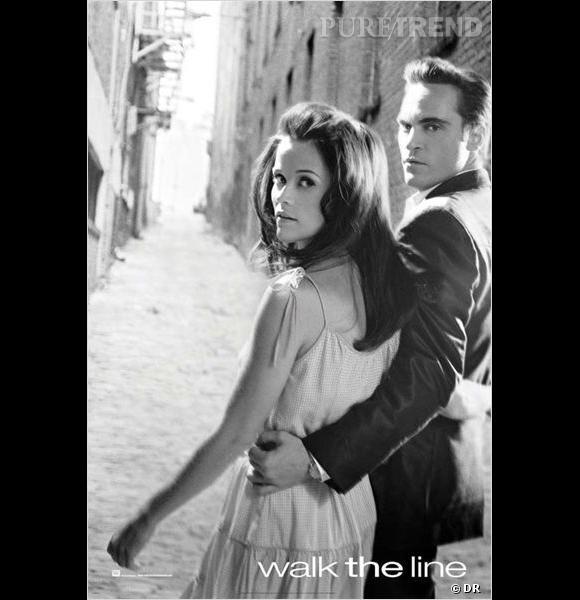 """Reese Witherspoon en 2005 joue dans le film """"Walk The Line"""" au côté de Joaquin Phoenix. Pour l'occasion, elle endosse le rôle d'une brune piquante."""
